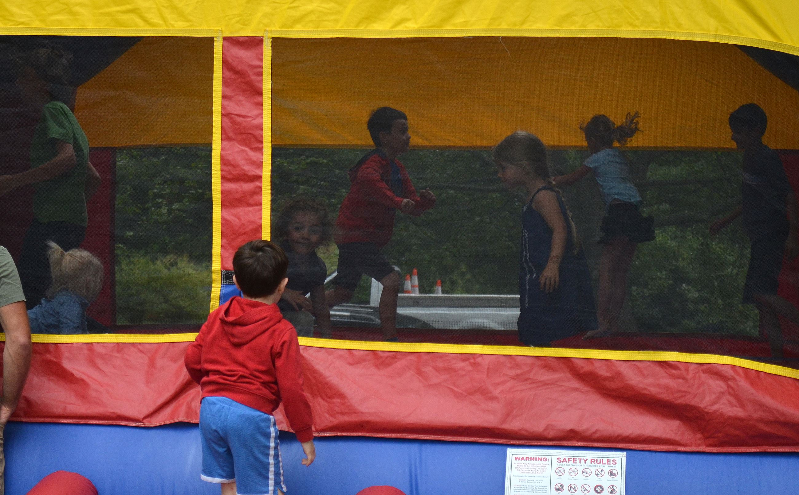 Fun Zone, Moonbounce